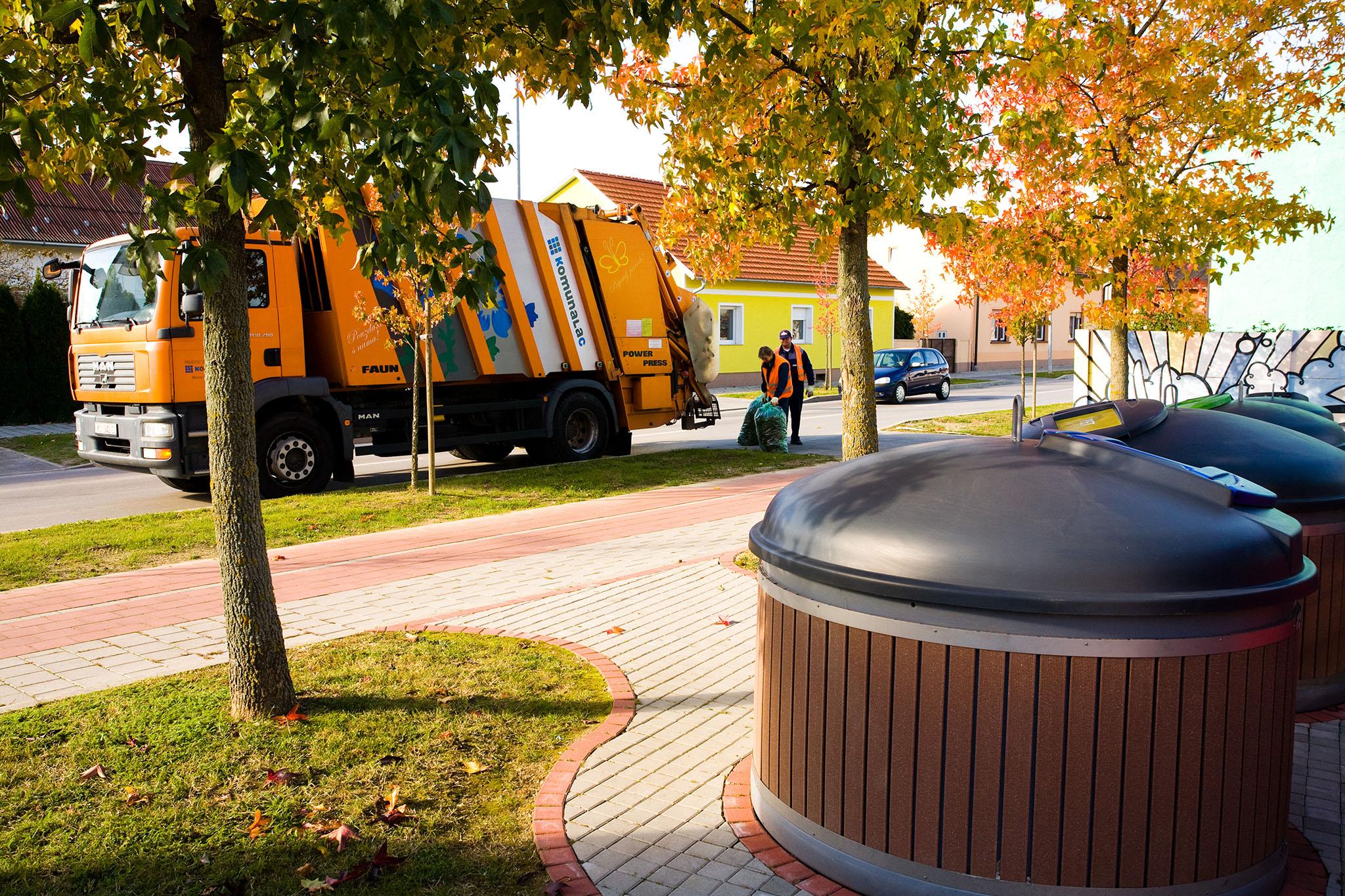 Potpisan ugovor, dva nova kamiona za odvojeno prikupljanje otpada stižu u Koprivnicu