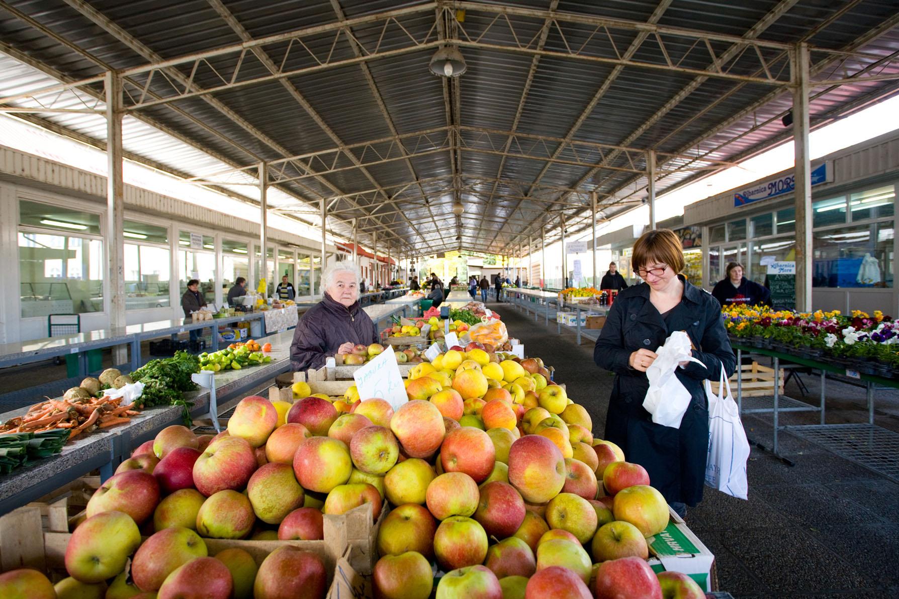 OTVORENI JAVNI NATJEČAJ za davanje u zakup poslovnog prostora na Gradskoj tržnici