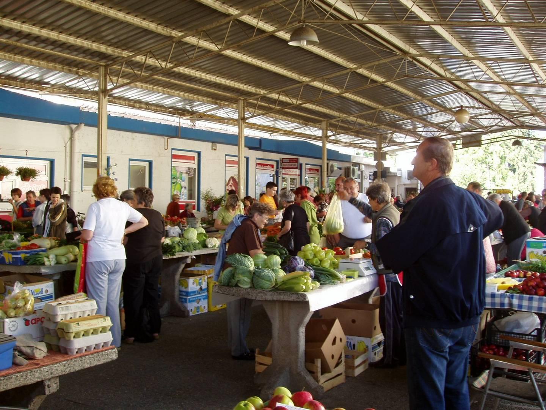 OTVORENI JAVNI NATJEČAJ za davanje u zakup poslovnih prostora na Gradskoj tržnici u Koprivnici