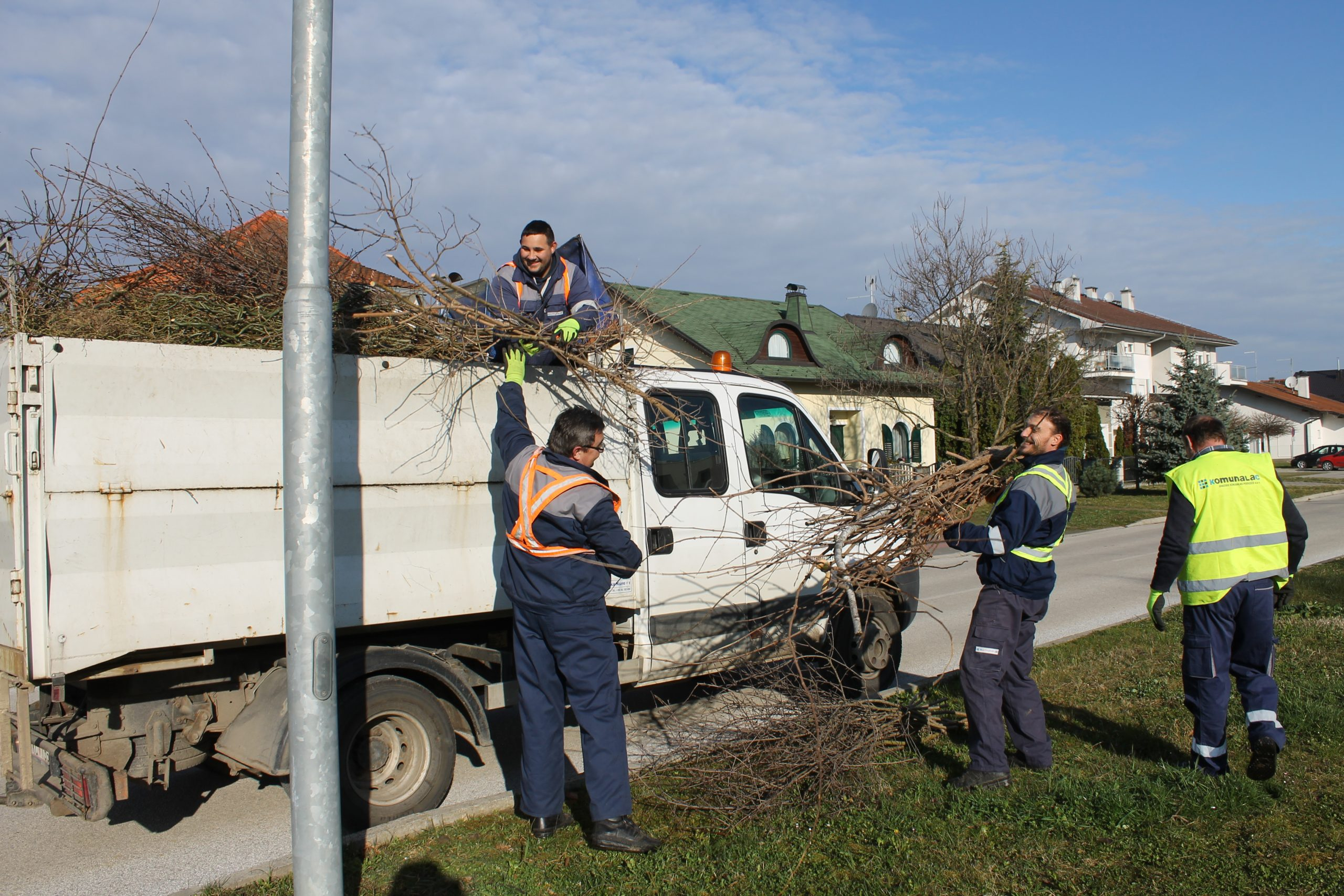 Počeo odvoz granja na području grada Koprivnice