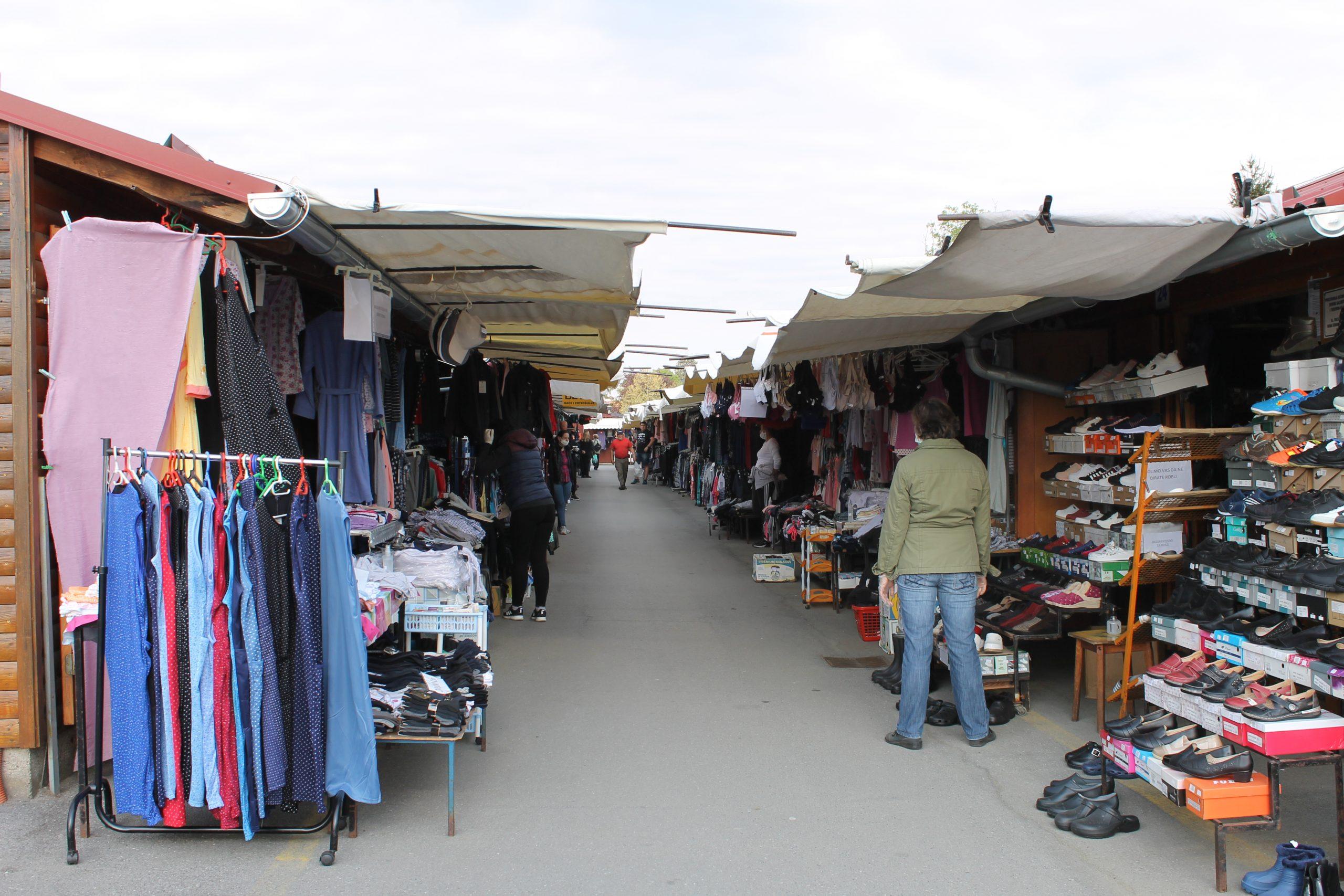 Prodavaonice u drvenim kućicama na Gradskoj tržnici od danas ponovno rade