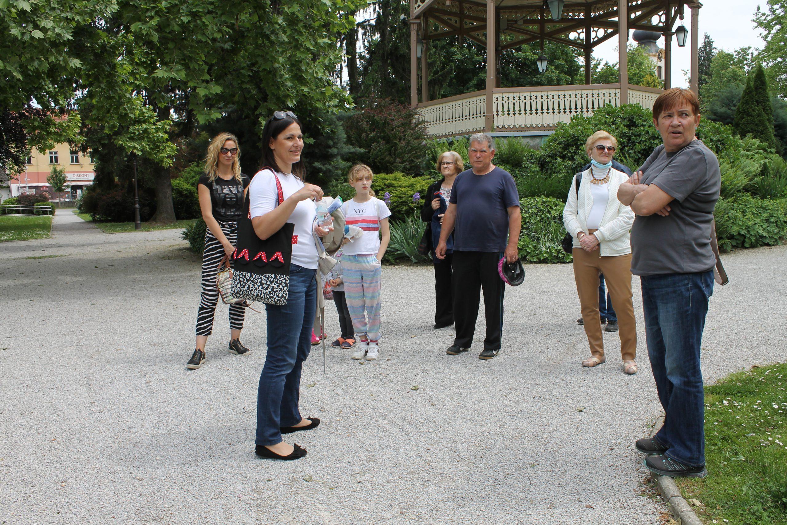 Građani upoznali park i zanimljive vrste koje tamo rastu