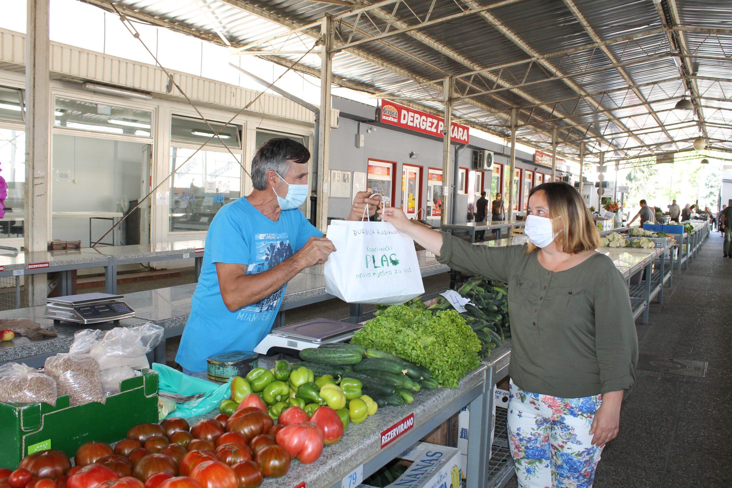 """Javna licitacija """"isklikom""""  za davanje u zakup prodajnih mjesta (stolova) na zelenoj tržnici"""