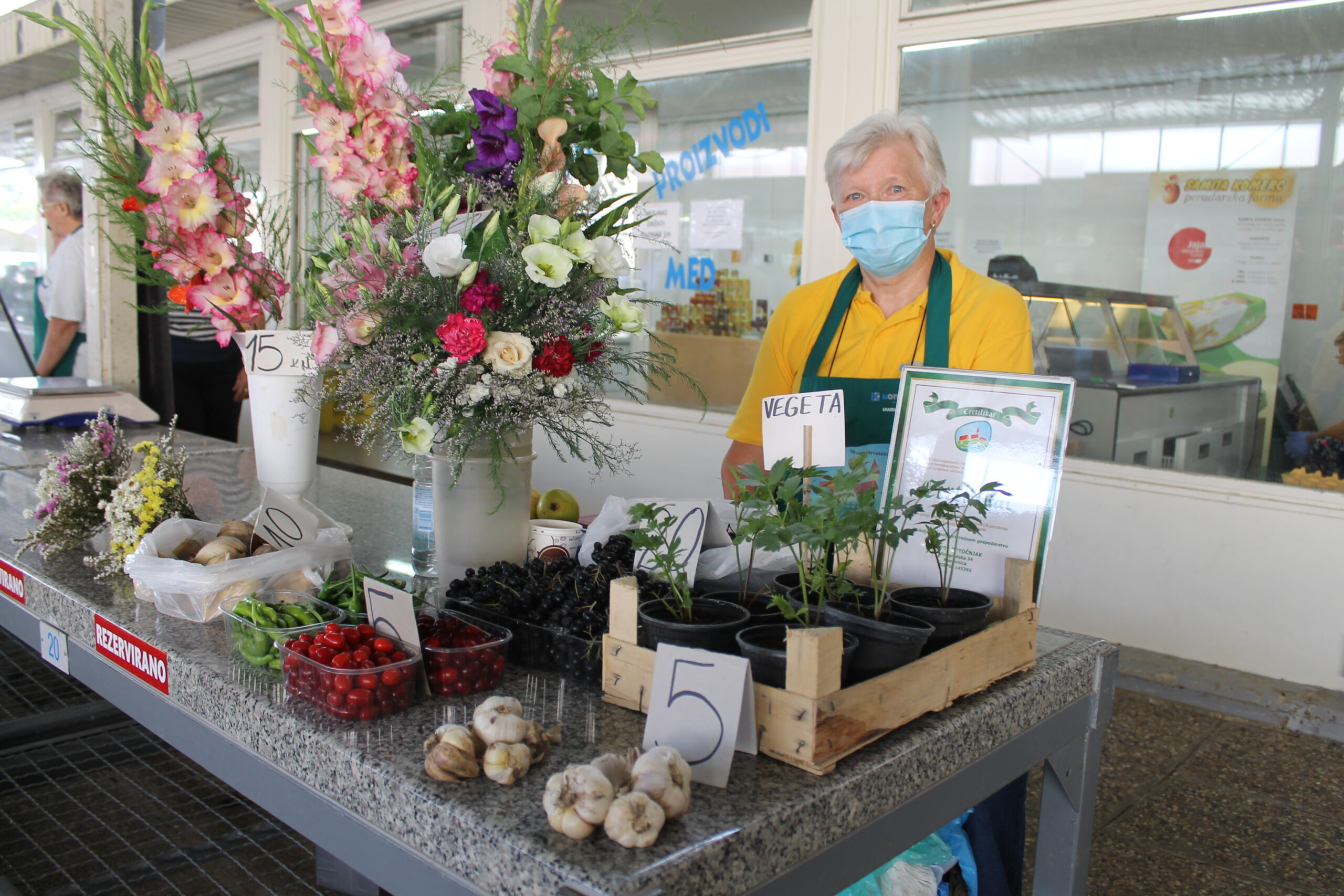 Đurđa Potočnjak specijalizirala se za voće i cvijeće