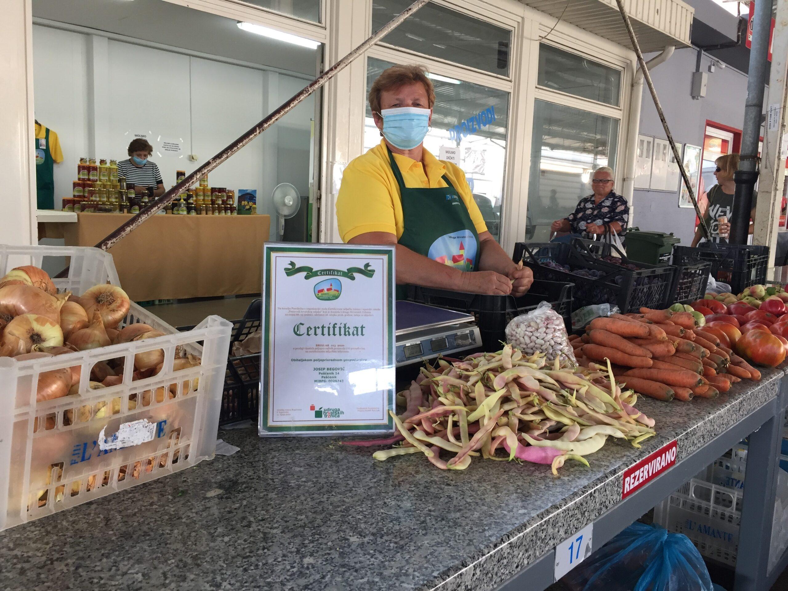 OPG Begović uz sezonsko voće i povrće zimi nudi izvrsnu slatku i ljutu papriku