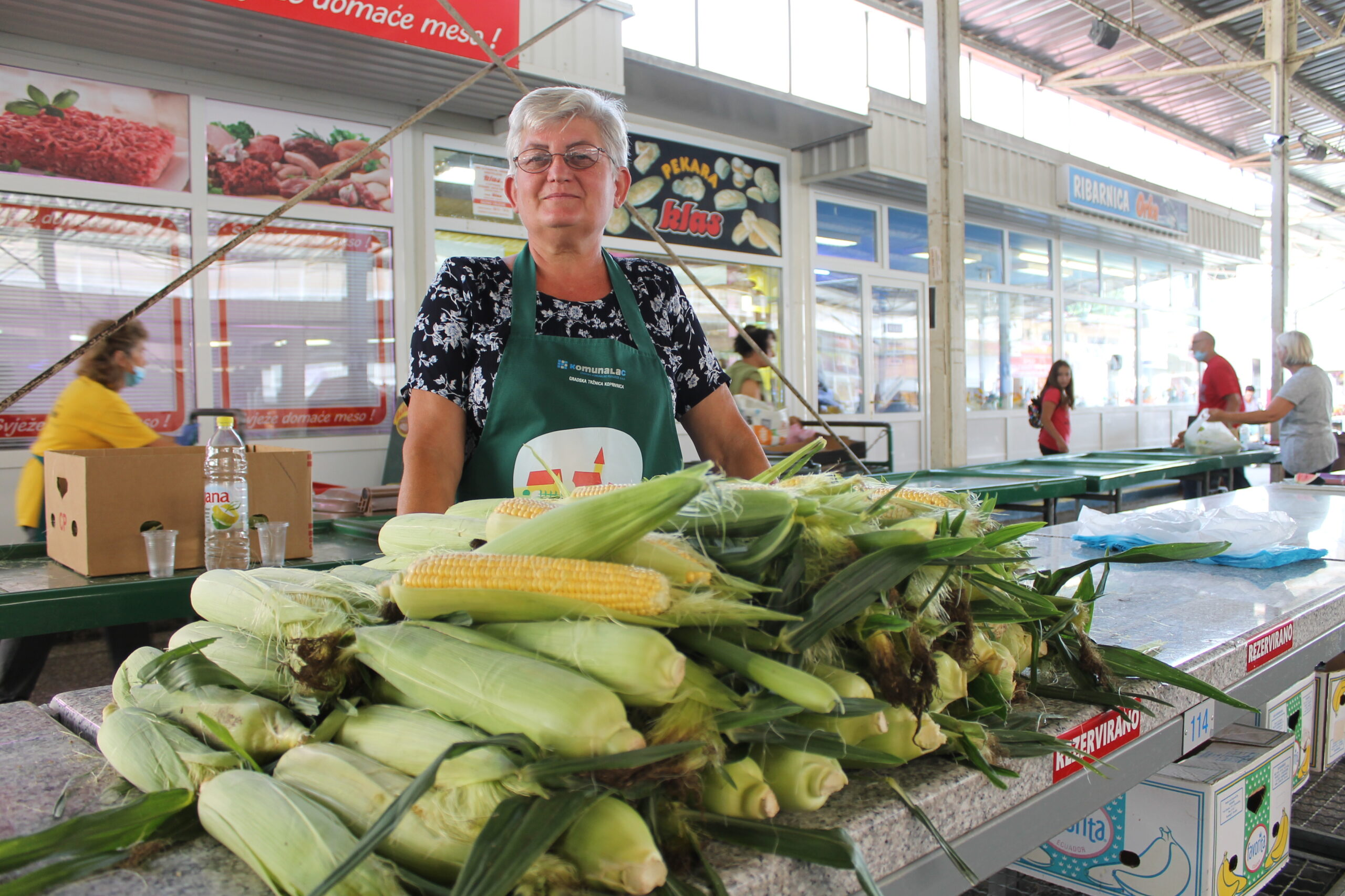 Cijela obitelj Ferčec sudjeluje u proizvodnji voća i povrća, a kod njih smo pronašli čak i bamiju