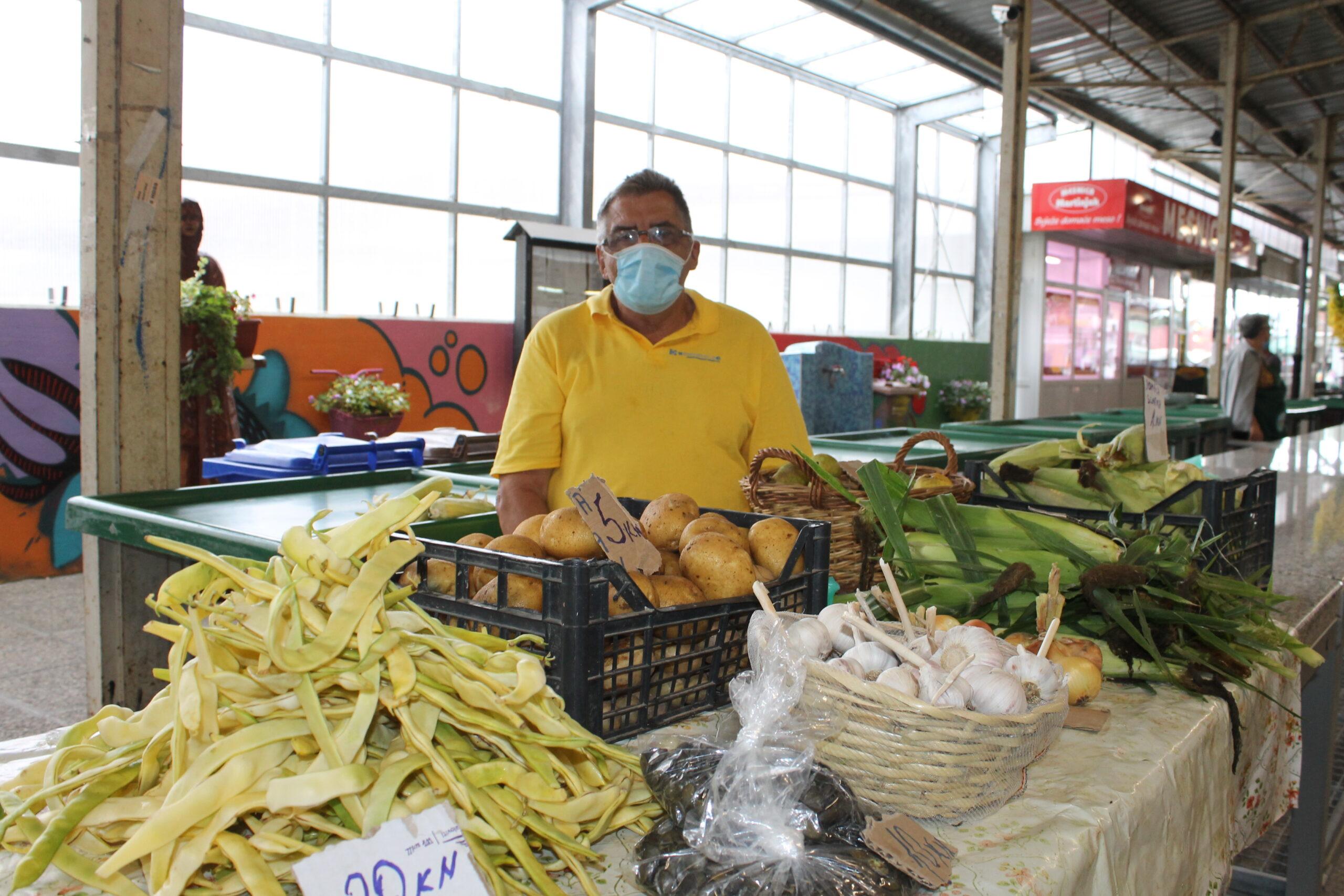 Stanko Marcapan uzgaja visoki grah na starinski način – u kukuruzu