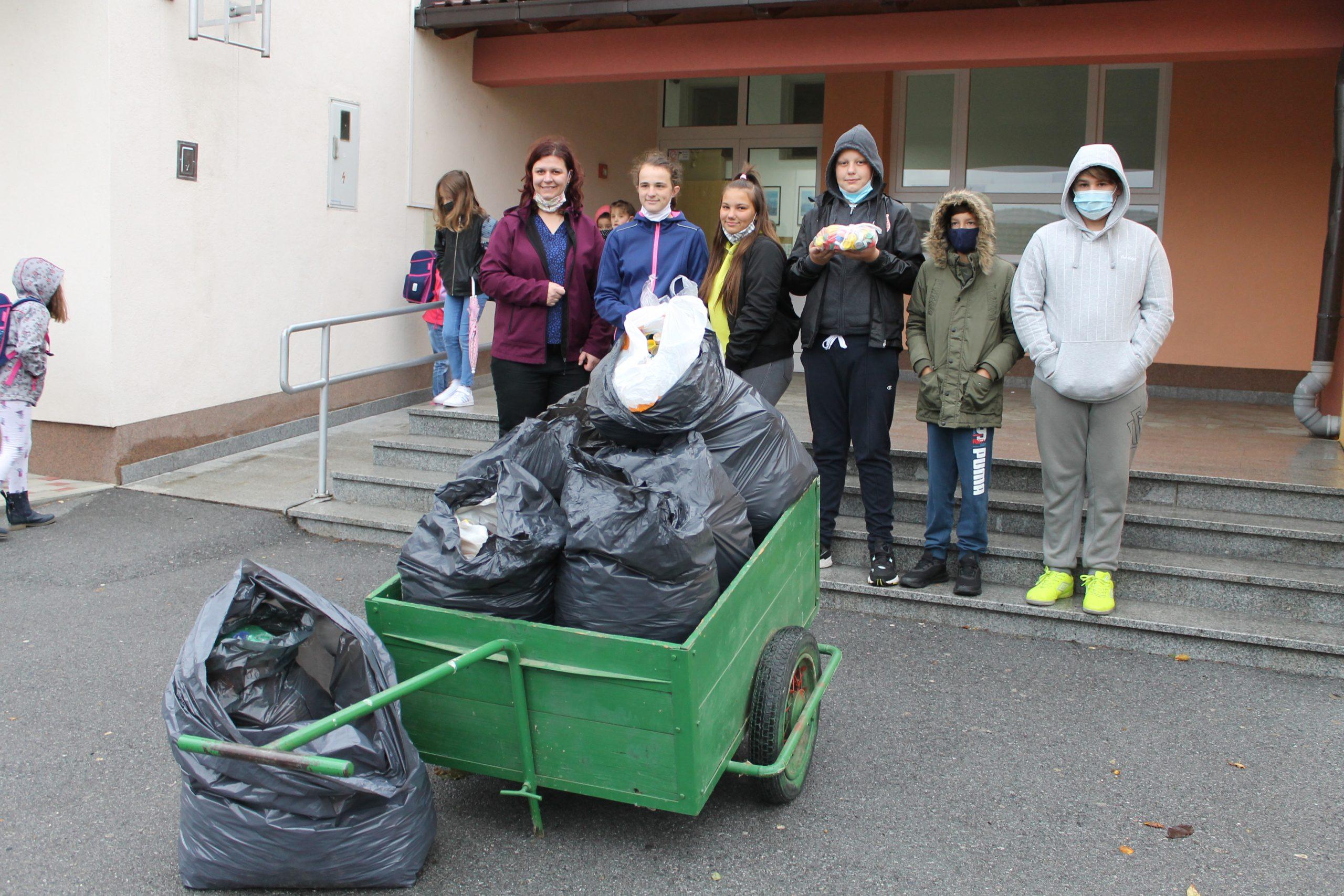 Osnovnoškolci iz Kalinovca sakupili 62 kilograma čepova u humanitarne svrhe