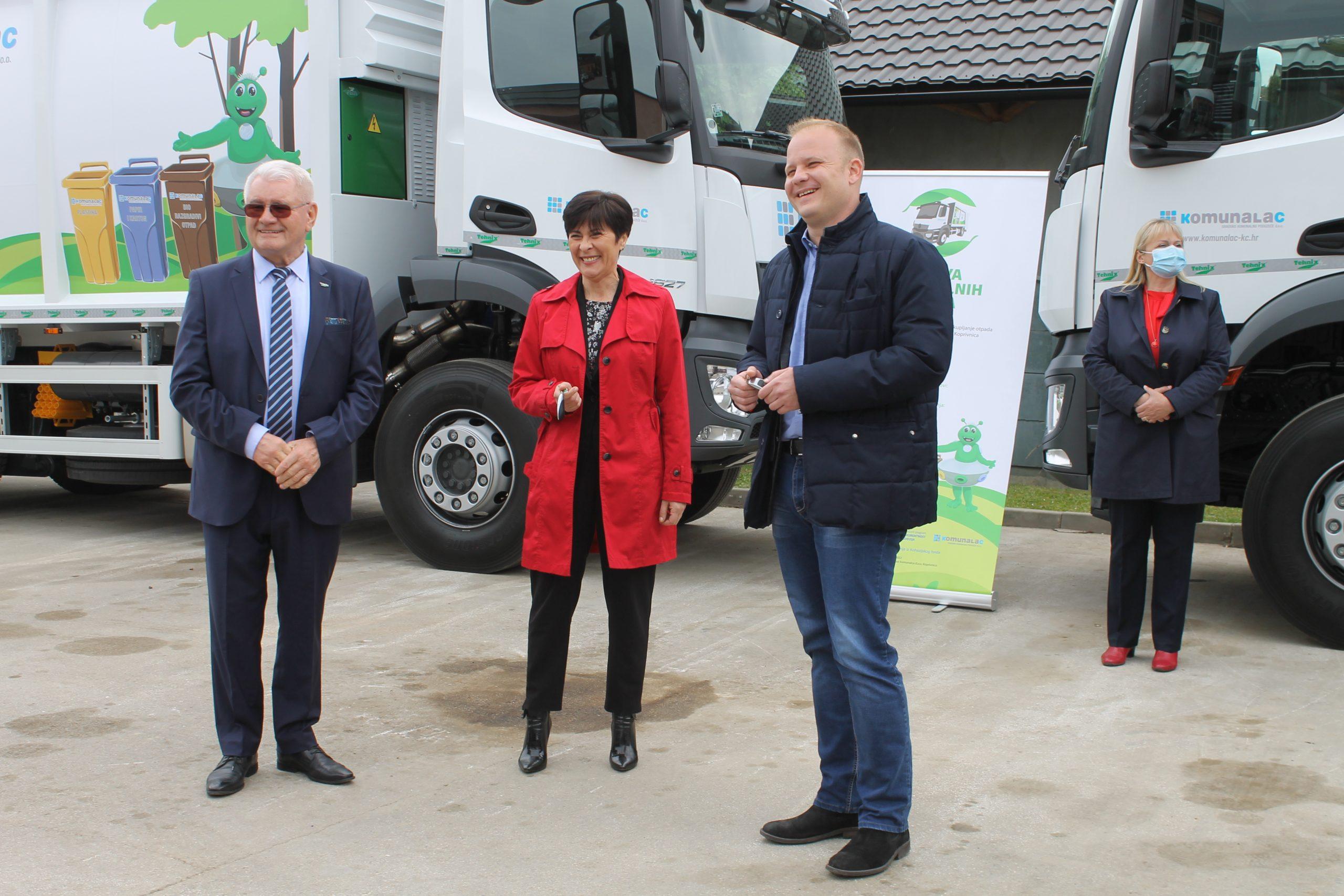 Dva nova komunalna vozila za odvojeno prikupljanje otpada predstavljena javnosti