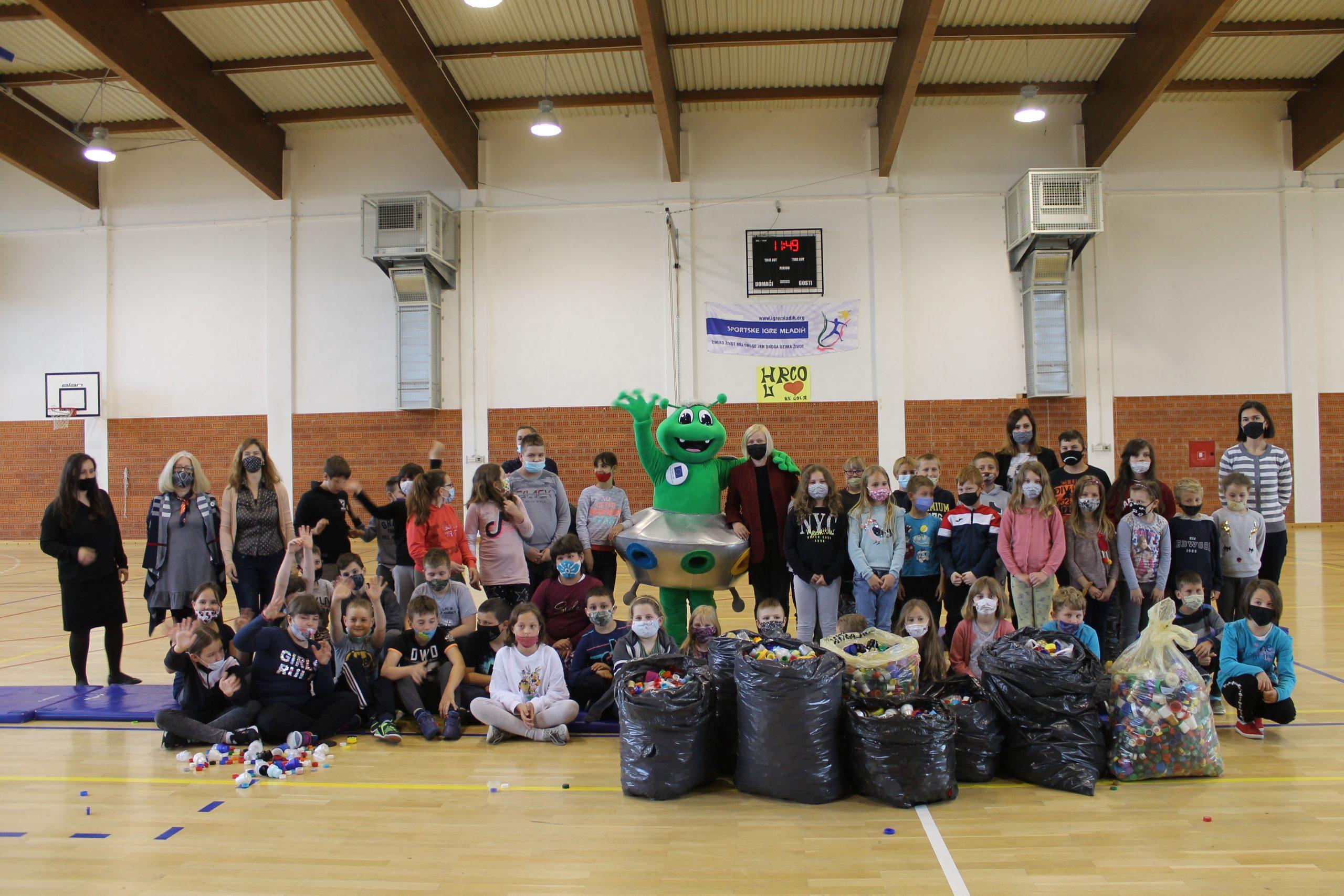 Mali Prekodravci prikupili 140 kilograma otpadnih čepova za humanitarnu akciju