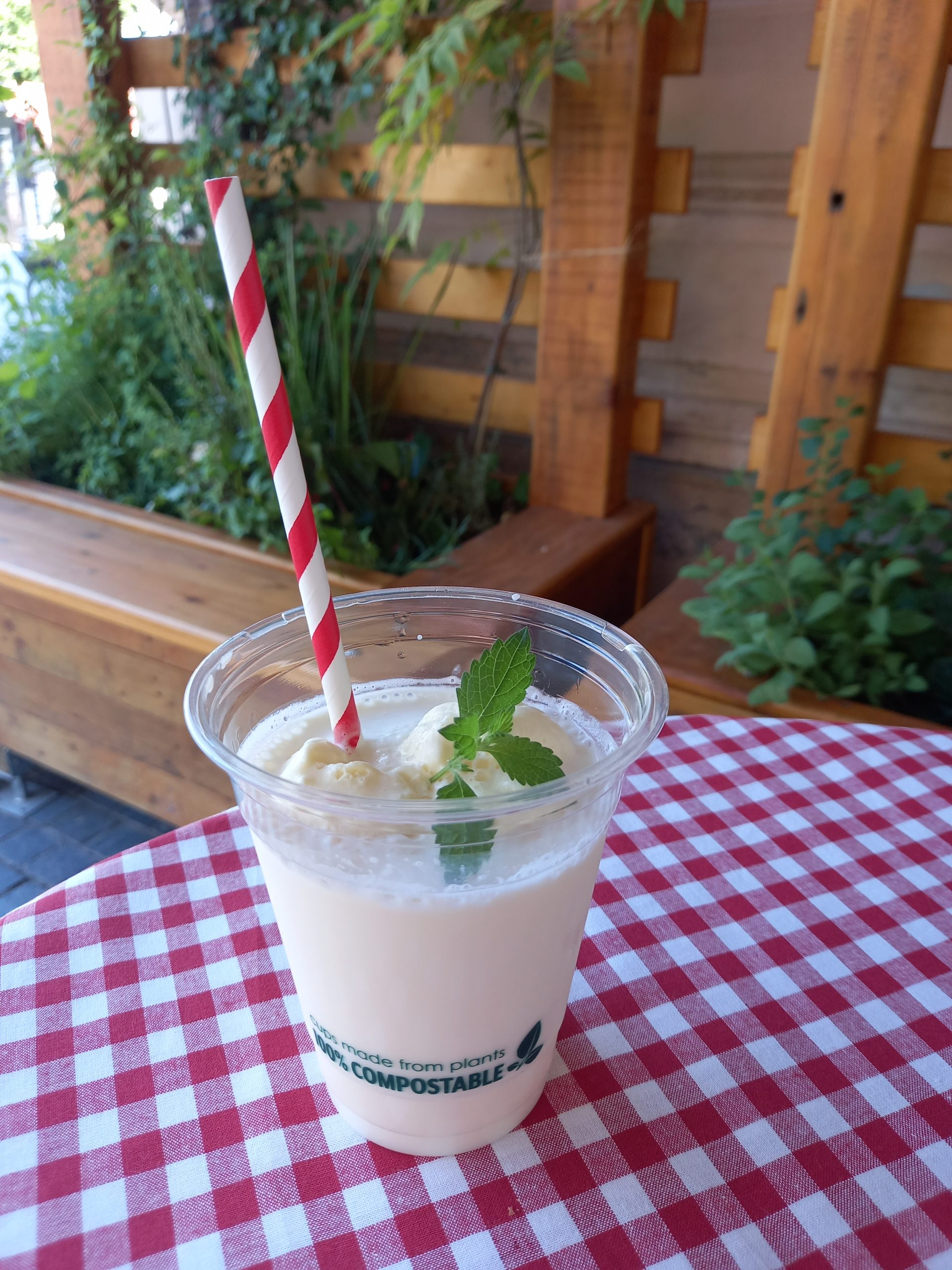 Zasladi se osvježavajućim milkshakeom u Smuteku
