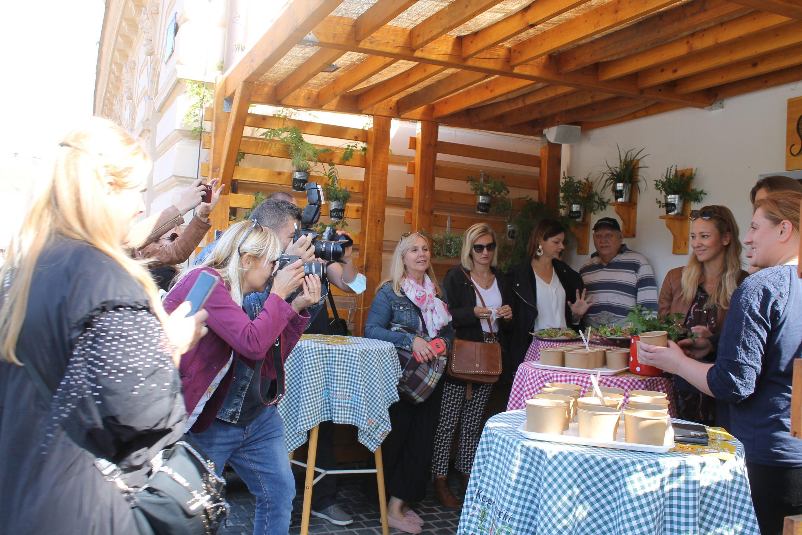 Food blogeri posjetili Smutek, oduševila ih je ponuda jela od koprive